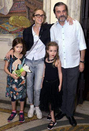 Betty Gofman , Hugo Barreto e suas filhas Helena e Alice