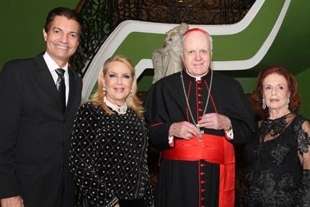 Gilson Araujo Junior, Isis Penido, Cardeal Edwin O'Brien e Eliana Moura