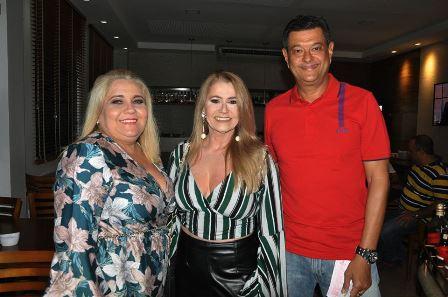 Paula Passos com Ieda Pereira e Dalvaro Silva
