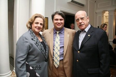 Claudio Castro entre  Cristina e Claudio Aboim