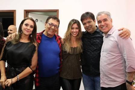 Rita Dias Maia, Cid Daltro, Karina e Edvaldo Rodrigues com o deputado Zé Neto