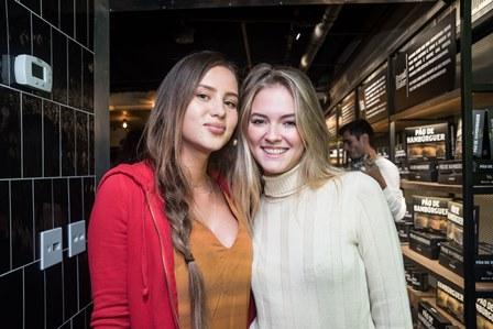 Victoria Oliveira e Natasha Pugliese