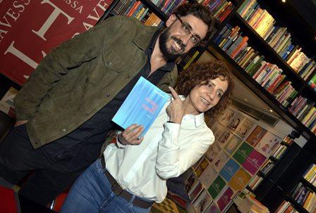 Matheus Leitão Netto e sua mãe   Miriam Leitão
