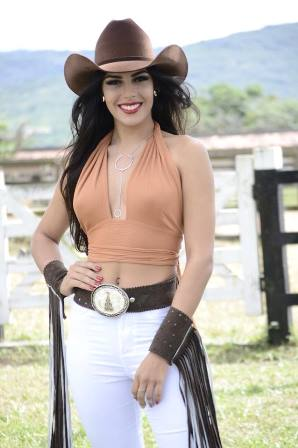 Miss Feira Liliane Natiele