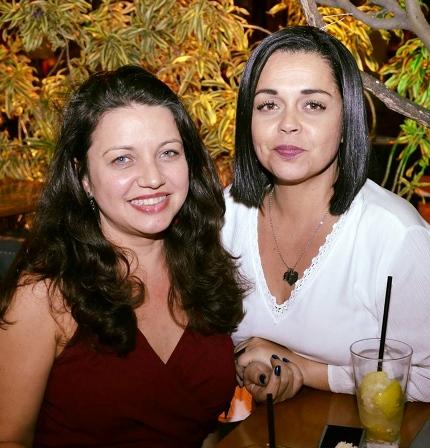 Renata Alai e Gisela Ferreira da Fundação de Artes e Niterói