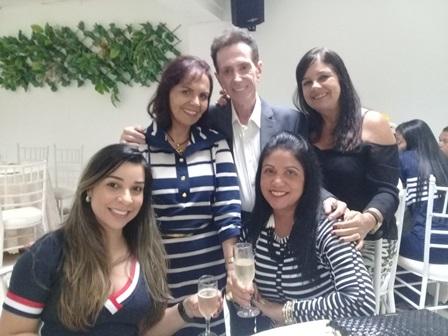 Renata Andrade Silva Lucas, Ligia Pitombo Vinhas Sarkis,Ailton Pitombo Nair Vinhas Nascimento e Maria da Penha Vinhas Limeira