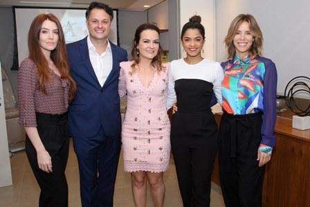 Larissa Maciel, Flávio Rezende, Aline Vieira, Lucy Alves e Daniela Galli