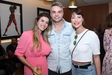 Jacqueline Fernandez,  Marcio Kieling e Camila Rodrigues