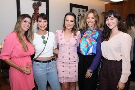 Aline Vieira, Camila Rodrigues, Aline Vieira, Daniela Galli e Tainá Müller