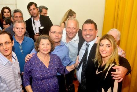 Ary Bergher com os empresários Rogério Jonas Zylbersztajn, Rogério Chor e suas famílias