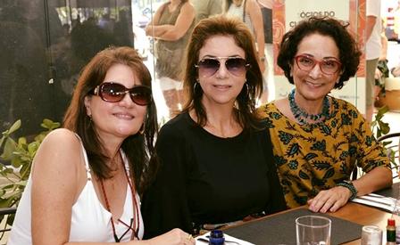 As arquitetas Leila Chaves, Valéria Fredo e Sylvia Coelho em talkshow no Reserva Cultural
