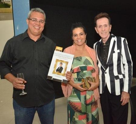 Jose Reinaldo e Graziele Sampaio presidente do Grupo DI