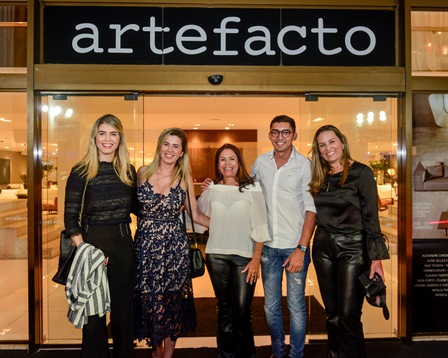Aline Celles, Juliana David, Theresa Caldas, David Defizio, Aline Guimaraes Otero
