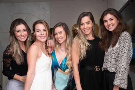 Bia Baiao Jessica Resnick Marcela Gomes Dayse Hermoza Ana Beatriz Poswolski