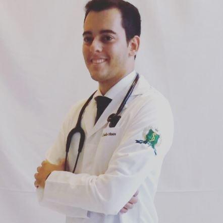 Formando em medicina Luís Claudio Oliveira da Silva Junior
